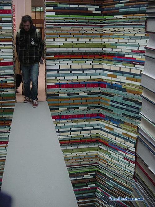 book-room-optical-illusion