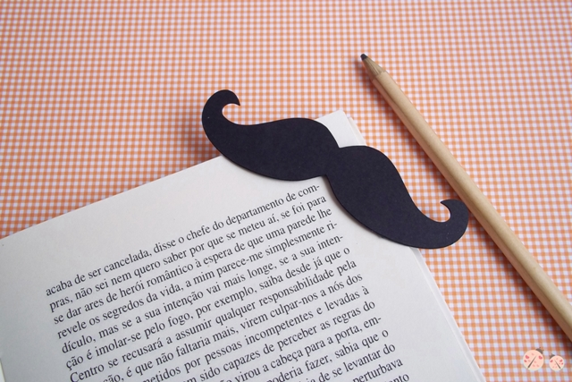 DIY mustache bookmark