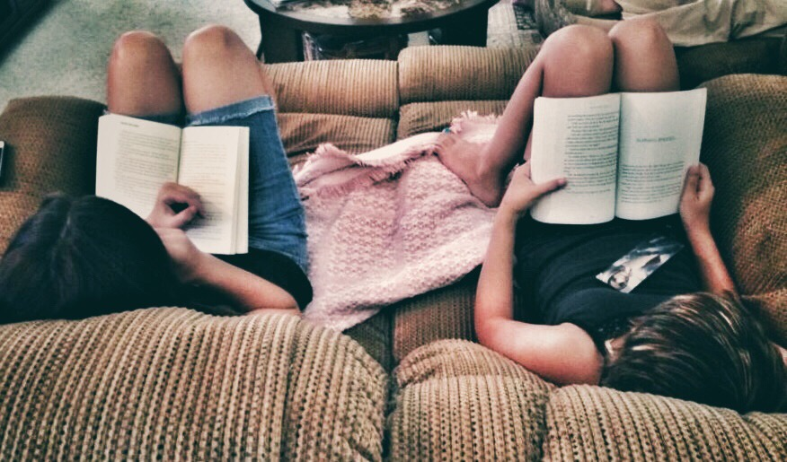 friends reading